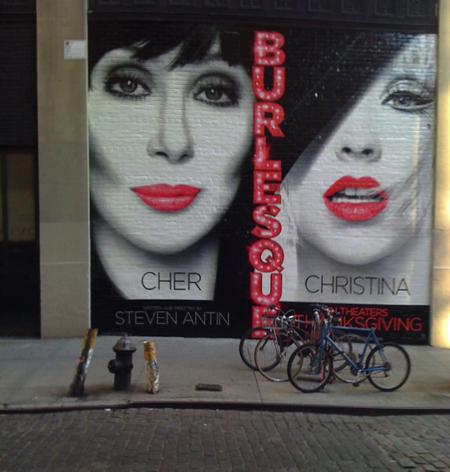 Burlesque_crosby