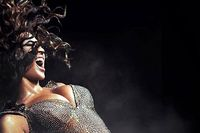 Beyonce-456-b-110810