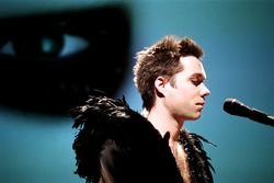 Rufus-wainwright-zaldy-tour-costume-5