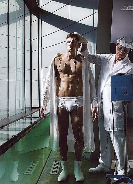 marlon wayans bulge. Mario Testino Tests Ashton